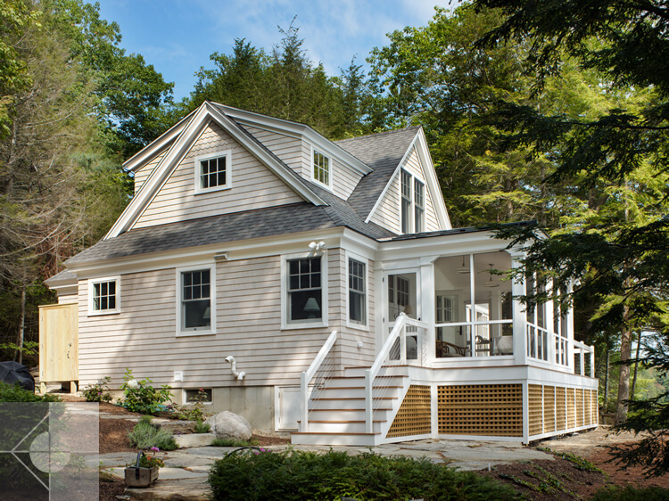 Exterior of cottage in Edgecomb, Maine by Phelps Architects